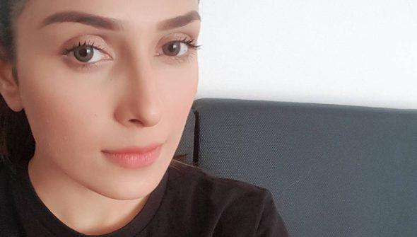 Ayeza Selfie